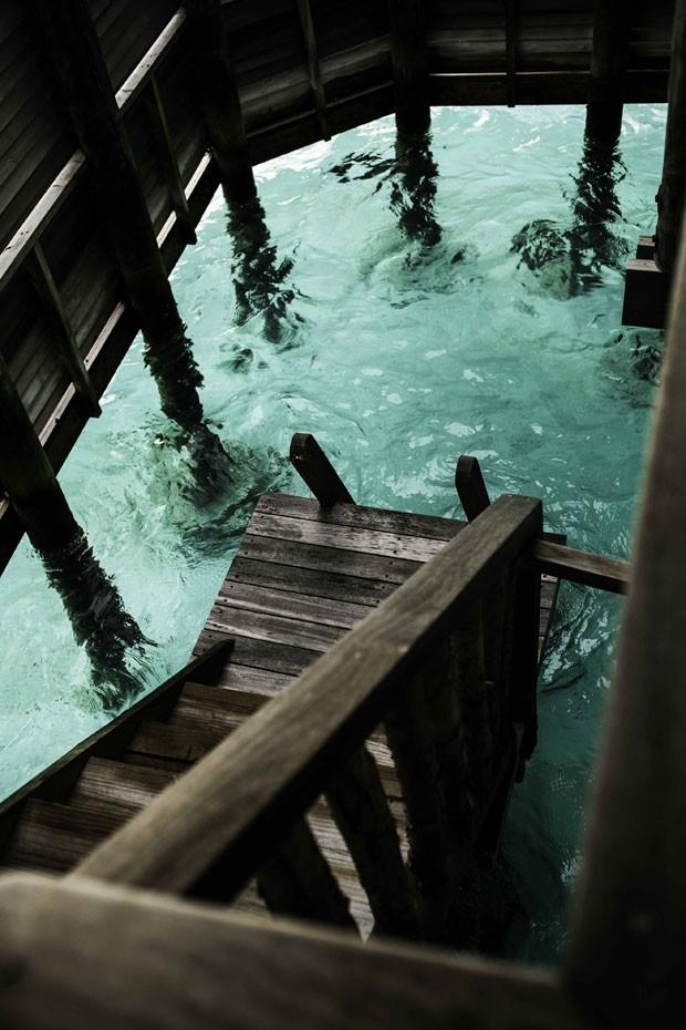 Bangalôs dão acesso a 'jardim de corais' (Foto: Gili Lankanfushi/Divulgação)