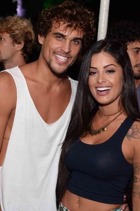 Felipe Roque e Aline Riscado em show no Rio (Foto: Ari Kaye/ Divulgação)