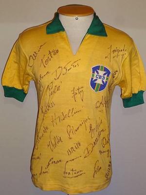 G1 - Rio tem mostra com camisas de craques de Copas - notícias em ... f8971d39a5b56