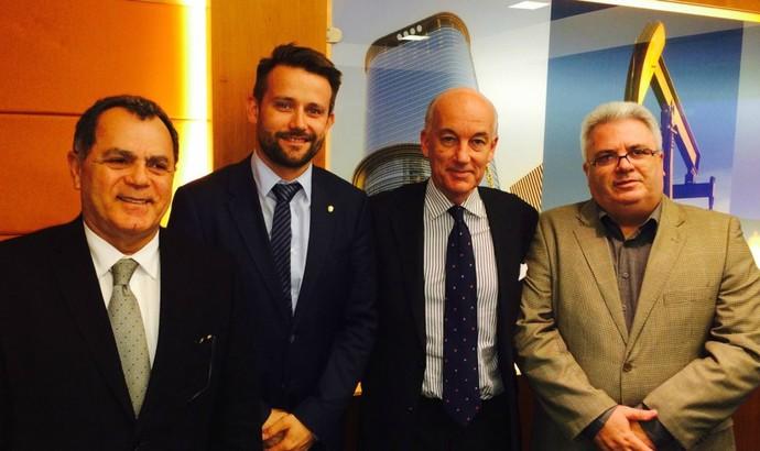 Da esquerda para a direita: Manoel Serapião, Lukas Brud, David Elleray e Sérgio Corrêa (Foto: Divulgação/CBF)