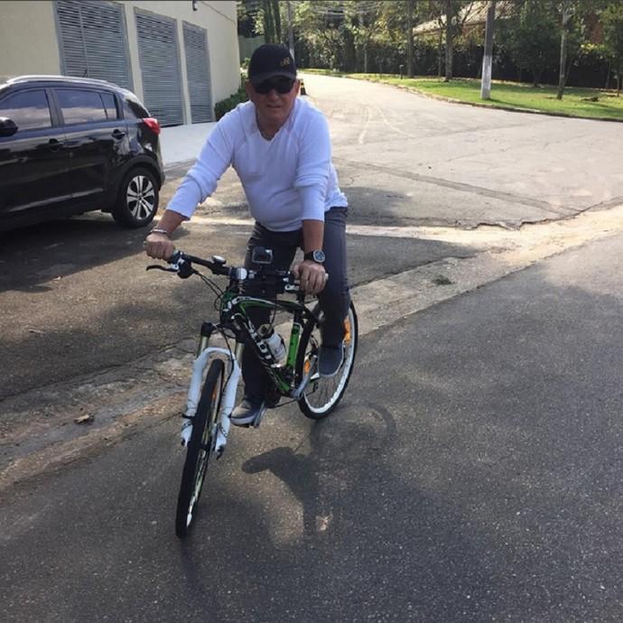 Amado gosta de passear de bike pelo menos uma vez por semana (Foto: Arquivo Pessoal)