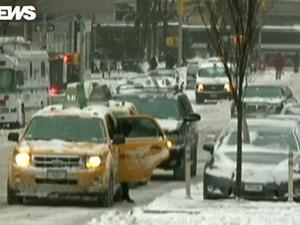 Neve assola os Estados Unidos (Foto: Reprodução GloboNews)