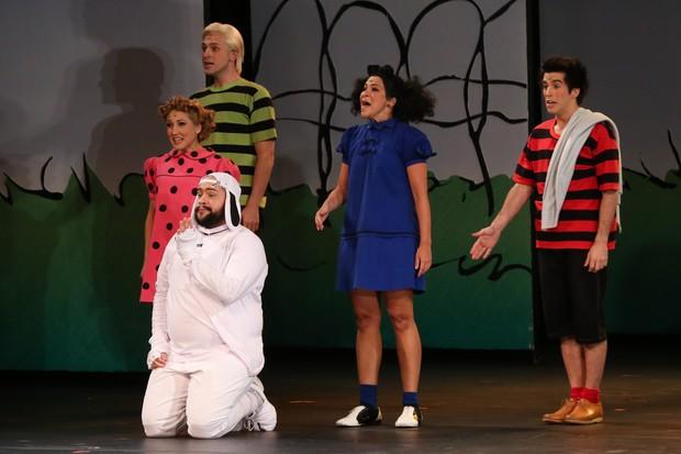 Elenco do espetáculo 'Meu querido Charlie Brown' (Foto: Roberto Filho / BrazilNews)