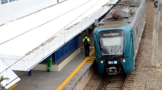 Trem da Supervia na estação Ferroviária Olimpica (Foto:  Luiz Gomes /Fotoarena/Folhapress)