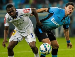 Diante do Grêmio, Cruzeiro sofreu a 6ª derrota no Brasileiro (Foto: Guilherme Testa/Light Press)