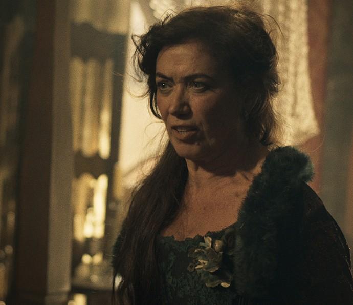 Virgínia enfrenta Dionísia e lhe diz boas verdades (Foto: TV Globo)