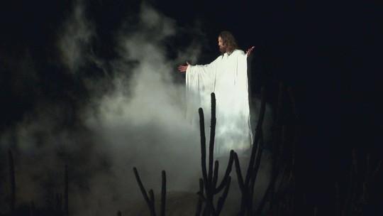Veja o espetáculo da Paixão de Cristo de Nova Jerusalém