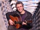 Vitor Ramil é um dos destaques do final de semana na Rua Coberta