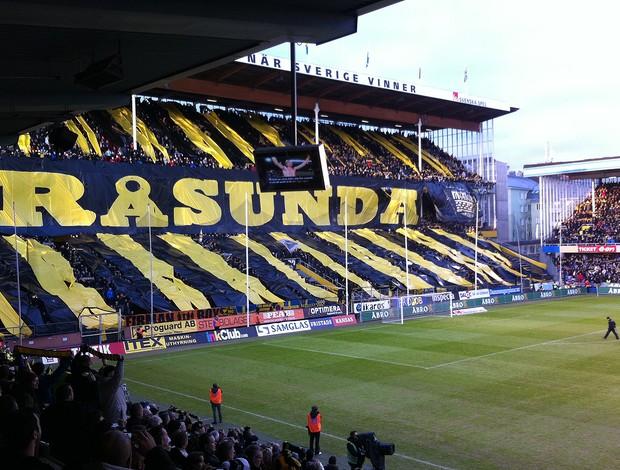 Mosaico da torcida do AIK estádio Rasunda (Foto: Sujay Dutt)