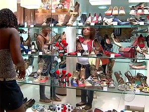 Compras em shopping de salvador (Foto: Reprodução/ TV Bahia)