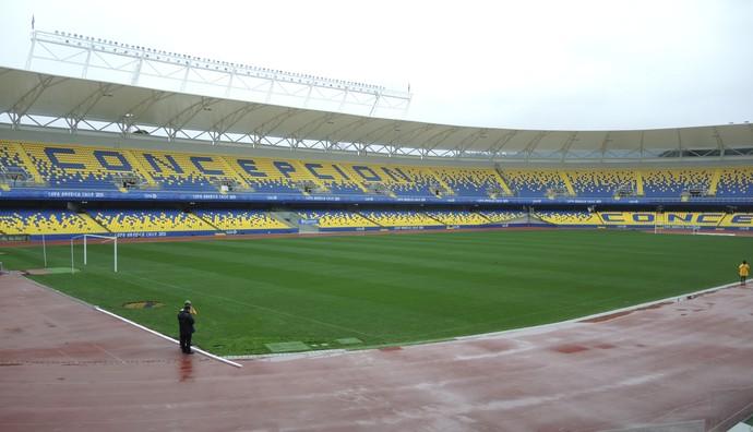Estádio Ester Roa em Concepción (Foto: Alexandre Lozetti)