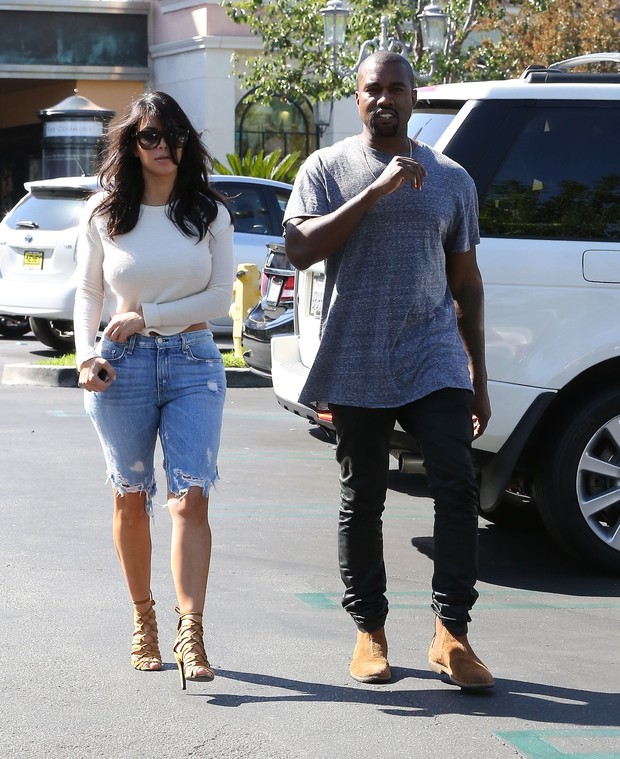 X17 - Kim Kardashian e Kanye West em Los Angeles, nos Estados Unidos (Foto: X17online/ Agência)
