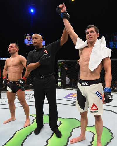 Artem Lobov Alex White UFC MMA (Foto: Getty Images)