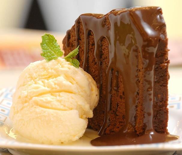 No Dia Mundial de Chocolate, nada melhor que bolo da avó