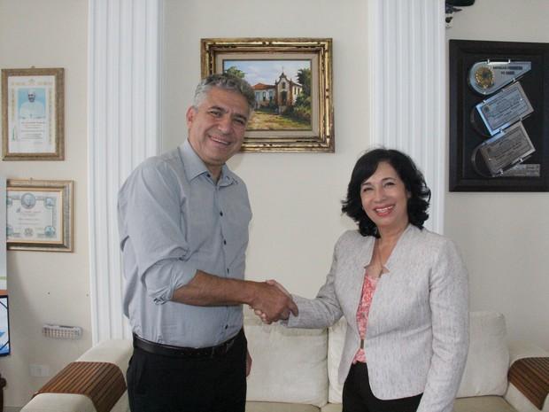 Suman e Antonieta se reuniram nesta quinta-feira (4) (Foto: Divulgação/Prefeitura de Guarujá)