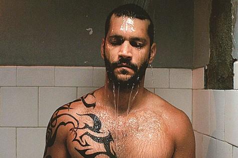 Armando Babaioff no filme 'Homem livre' (Foto: Divulgação)