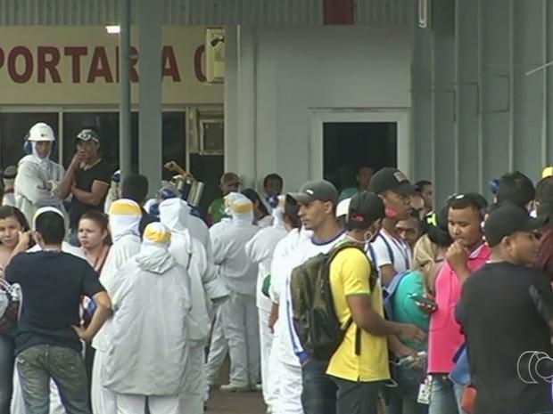 Funcionários de indústria de alimentos passam mal com vazamento de amônia Goiás Rio Verde (Foto: Reprodução/TV Anhanguera)