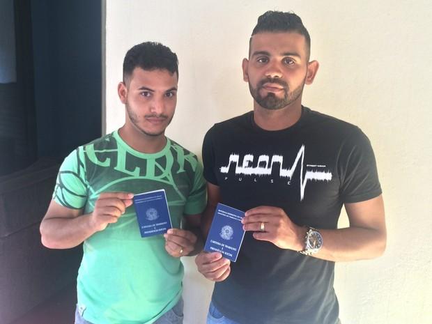 Geferson Ribeiro de Souza e Daniemerson Brito da Silva em Goiânia, Goiás (Foto: Paula Resende/ G1)
