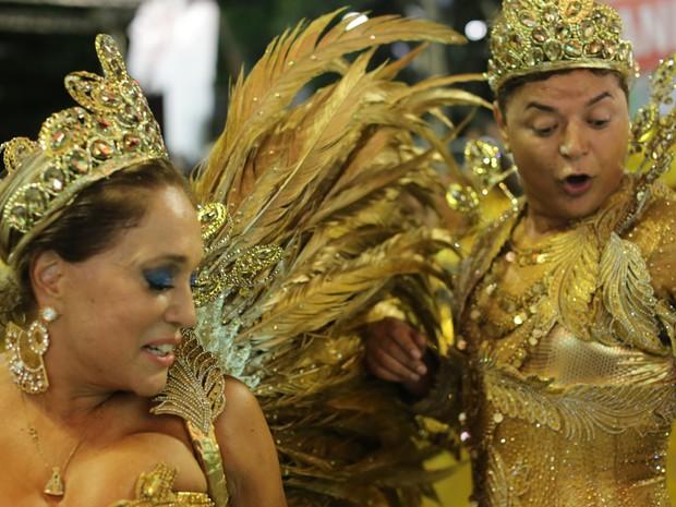 David Brazil e Susana Vieira são rei e rainha da bateria da Grande Rio (Foto: Rodrigo Gorosito/G1)