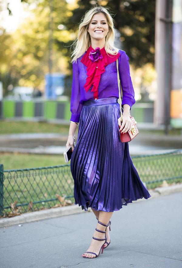 Um look estiloso pode ser colorido e moderno (Foto: Imaxtree)