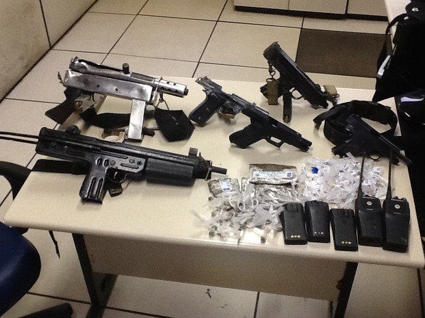 Bope prende três e apreende seis armas em Nova Iguaçu. (Foto: Divulgação / Bope)