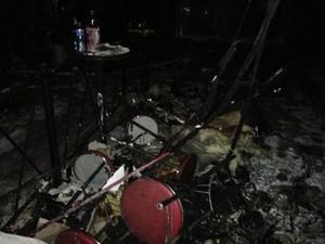 Interior da boate Kiss, após incêndio ocorrido na madrugada deste domingo (27) (Foto: Giovani Grizotti/RBS TV)
