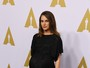 Natalie Portman exibe o barrigão de gravidez em evento pré-Oscar