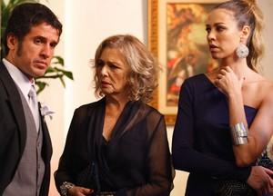 Ulisses e Vânia também parecem não acreditar no que está acontecendo (Foto: Guerra dos Sexos / TV Globo)