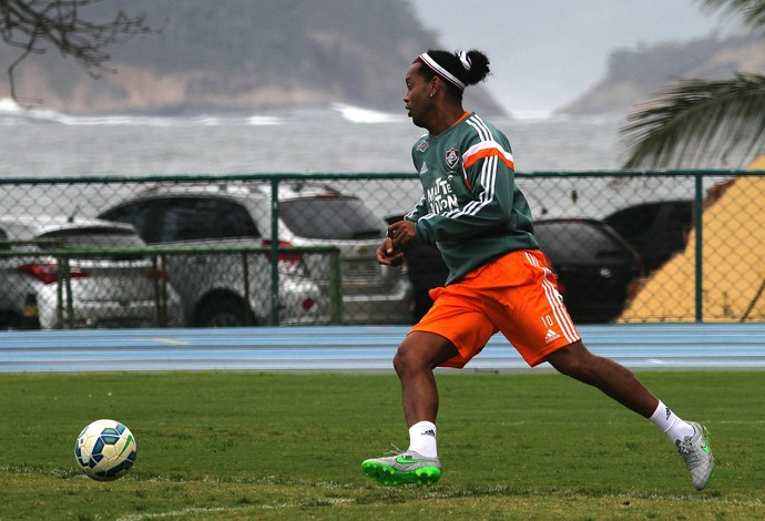 Ronaldinho treino Fluminense Urca (Foto: Nelson Perez/Fluminense FC)