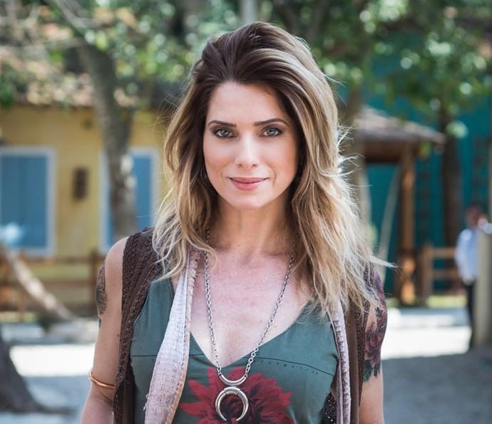 Passado de Lenita é revelado: ela teve uma filha e deu para adoção (Foto: Mauricio Fidalgo / TV Globo)
