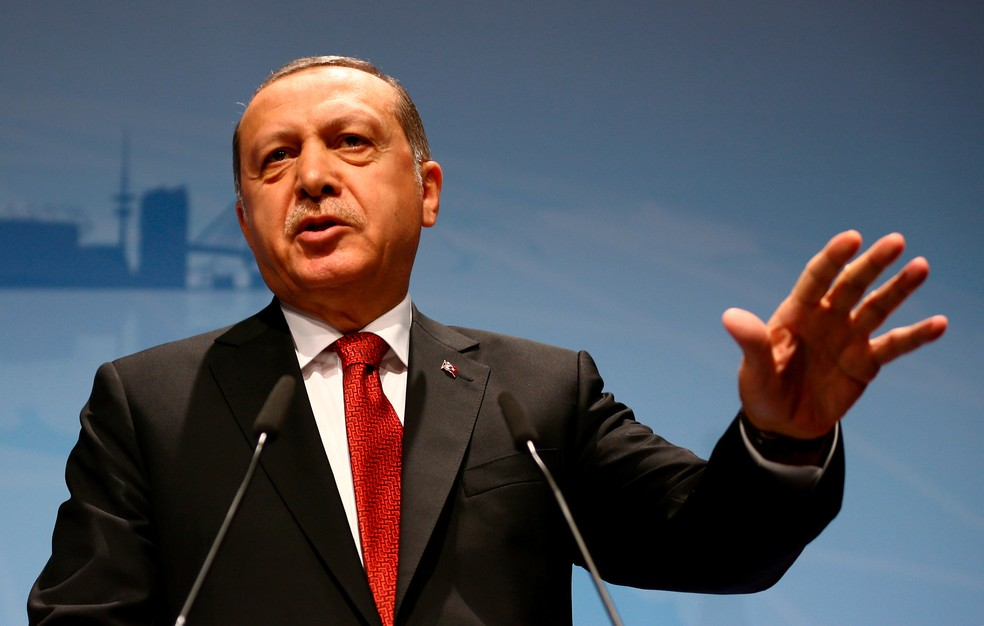 O presidente da Turquia, Recep Tayyip Erdogan, fala durante entrevista coletiva em Hamburgo, após a cúpula do G20 (Foto: REUTERS/Wolfgang Rattay)