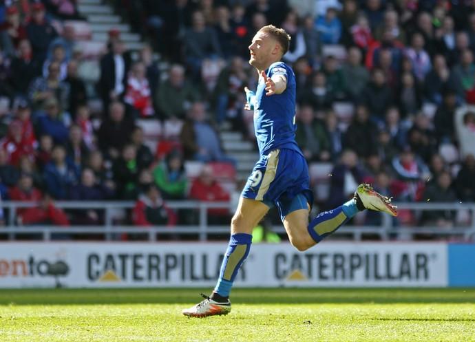 Vardy comemora segundo gol, Sunderland x Leicester (Foto: Reuters / Russell Cheyne)