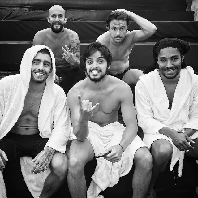 Rodrigo Simas e elenco do Saltibum (Foto: Reprodução/Instagram)