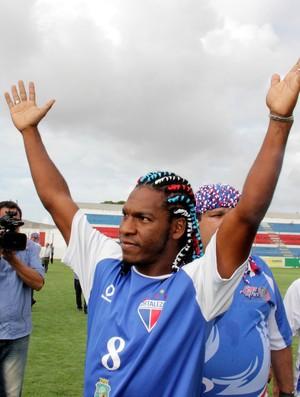 Geraldo foi aclamado pela torcida do Fortaleza (Foto: Diego Morais / Globoesporte.com)