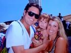 Ex-paquita Roberta Cipriani descobre gravidez e festeja com a família