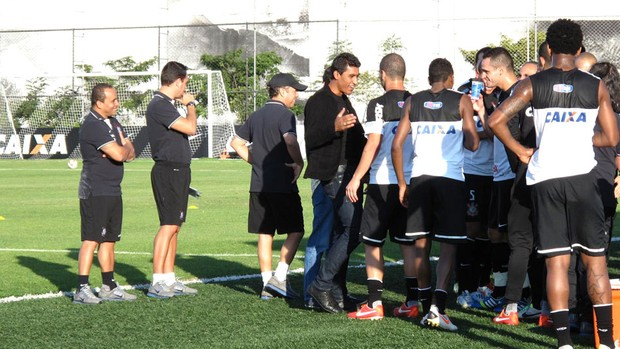 Paulinho despedida Corinthians (Foto: Rodrigo Faber)