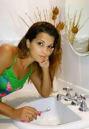 Renata Santos dá dicas de economizar água  (Foto: Arquivo Pesoal)
