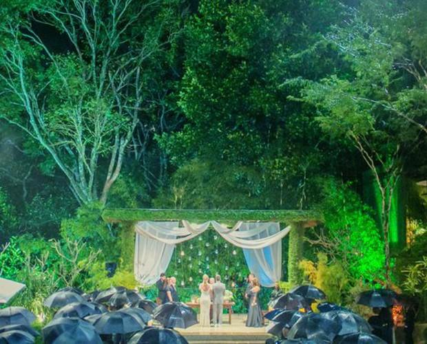 Mesmo debaixo de chuva, a cerimônia foi linda (Foto: Arquivo Pessoal)