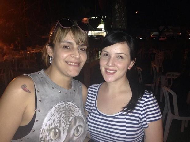 Samantha e Camila, aproveitando o começo da noite (Foto: Divulgação/RPC)