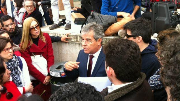 O senador petista diz querer dar a versão do PT à comunidade internacional (Foto: Mamede Filho)