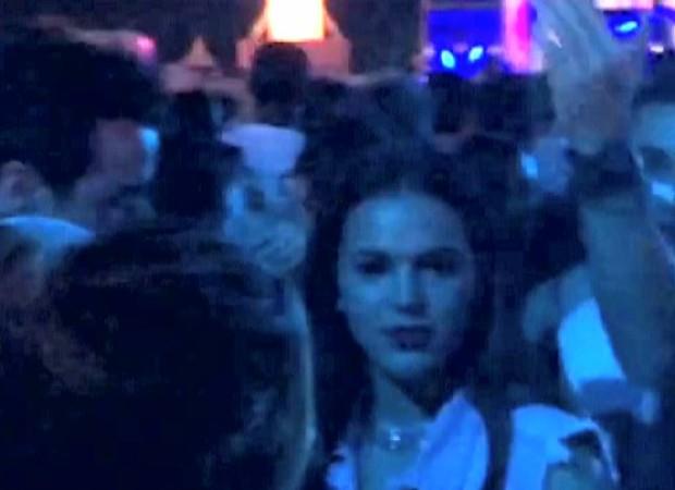 Bruna Marquezine empolgada no show do Sam Smith (Foto: Aline Pollilo/EGO)