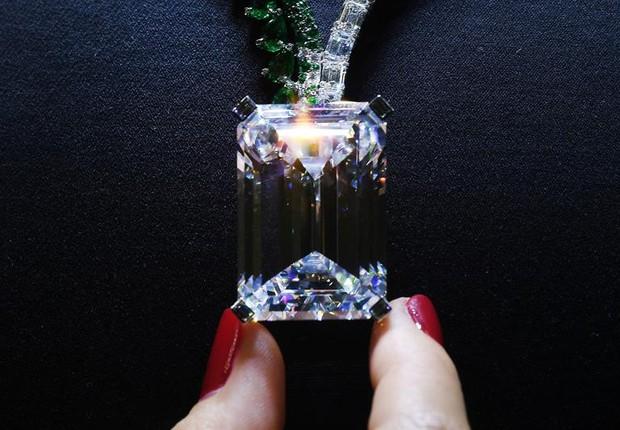 Diamante raro de 163,41 quilates que vai a leilão na Christies é o quinto maior já colocado à venda (Foto: Andy Rain/EFE)