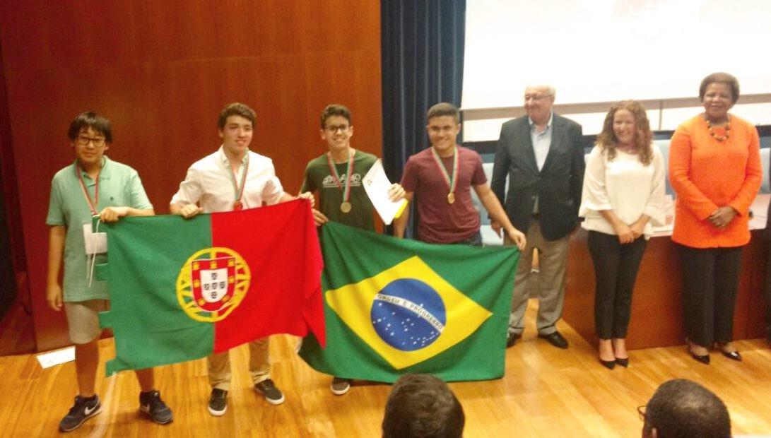 Brasileiros ficam em 1º lugar em Olimpíada Internacional de Matemática