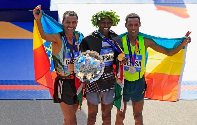 Pódio masculino Maratona de NY - Wilson Kipsang, Lelisa Desisa Benti, Gebre Gebremariam (Foto: Getty Images)