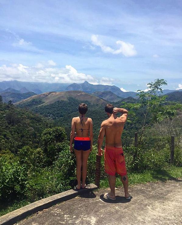 Isabela Santoni e Lucas Wakim (Foto: Reprodução/Instagram)
