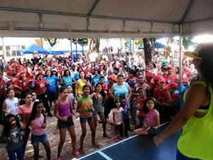 """""""Integração Bairro"""" foi realizado das 8h às 13h, na praça Mário Natal, em Ituiutaba (Foto: Jayme Souza)"""