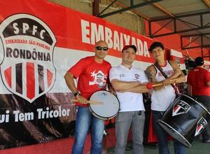 Nil Lopes, Ricardo Farias e Rafael Borin, torcedores são-paulinos (Foto: Renato Pereira)
