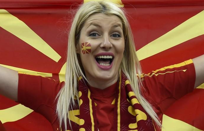 Torcida da Macedônia faz festa no Mundial de handebol (Foto: EFE)