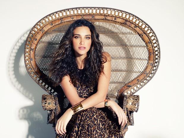 Débora Nascimento para a revista Estilo (Foto: Revista EGO/Divulgação)