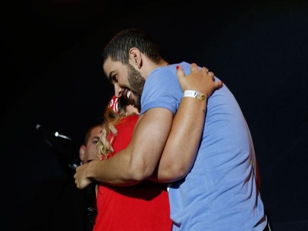 Durante o show, Gusttavo Lima recebeu o carinho dos fãs (Foto: Guilherme Jacobs/Gshow)